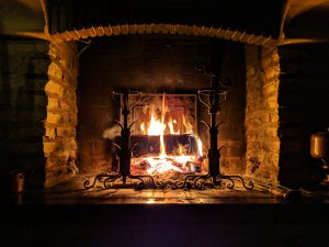 Christmas decorating ideas for your Florida home- a fireplace