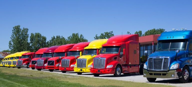 The long distance moving companies jacksonville fl offers have different kinds of trucks in their fleets