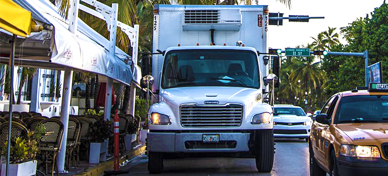 Commercial movers Miami Beach fl and their truck