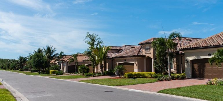 homes in the Coral Springs suburbs