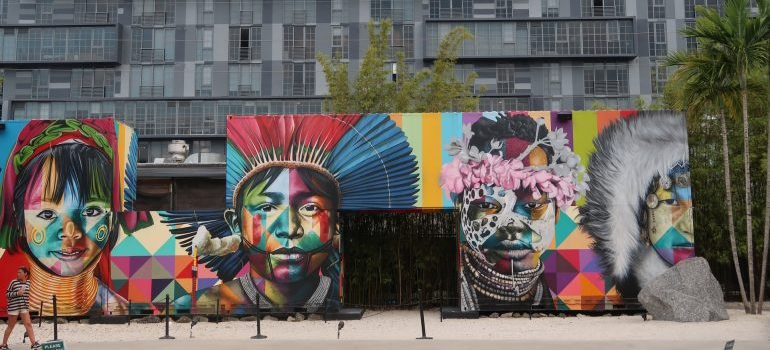 Picture of a mural in Wynwood Wall street.
