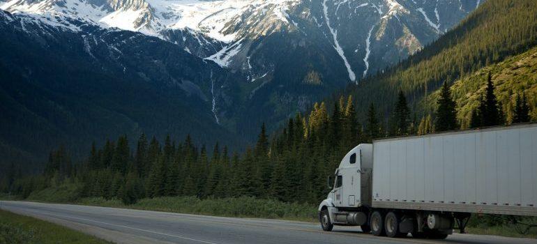 Long-distance truck shipping