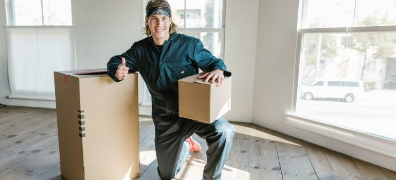 long distance movers with moving boxes