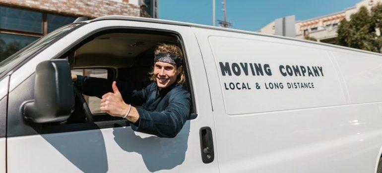 mover in a van