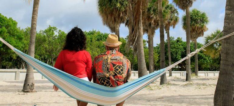The couple enjoys the beach.