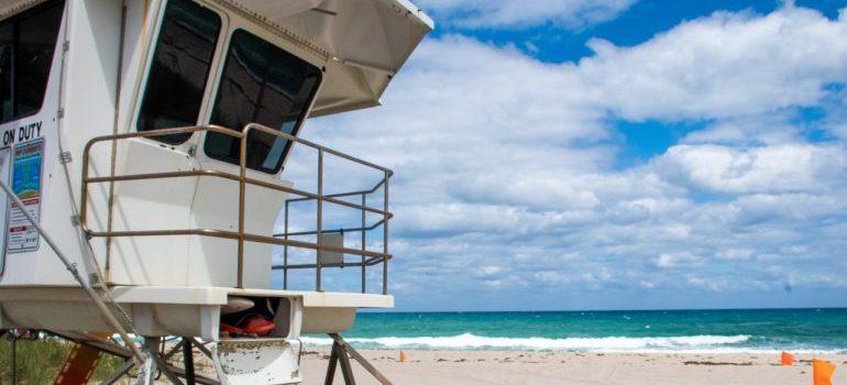 safeguard house on the beach